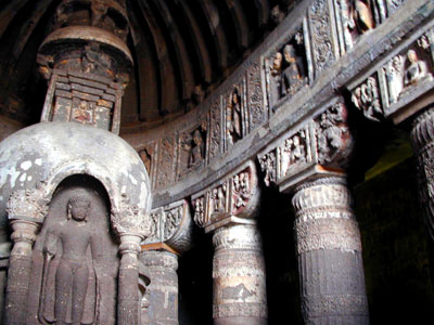 ANCIENT AJANTA BUDDHIST CAVE MONASTERY INDI
